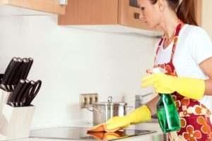 Уборка квартиры. Наш помощник - клининговая компания