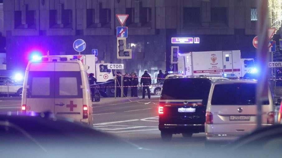 Неизвестный открыл стрельбу в сторону здания ФСБ